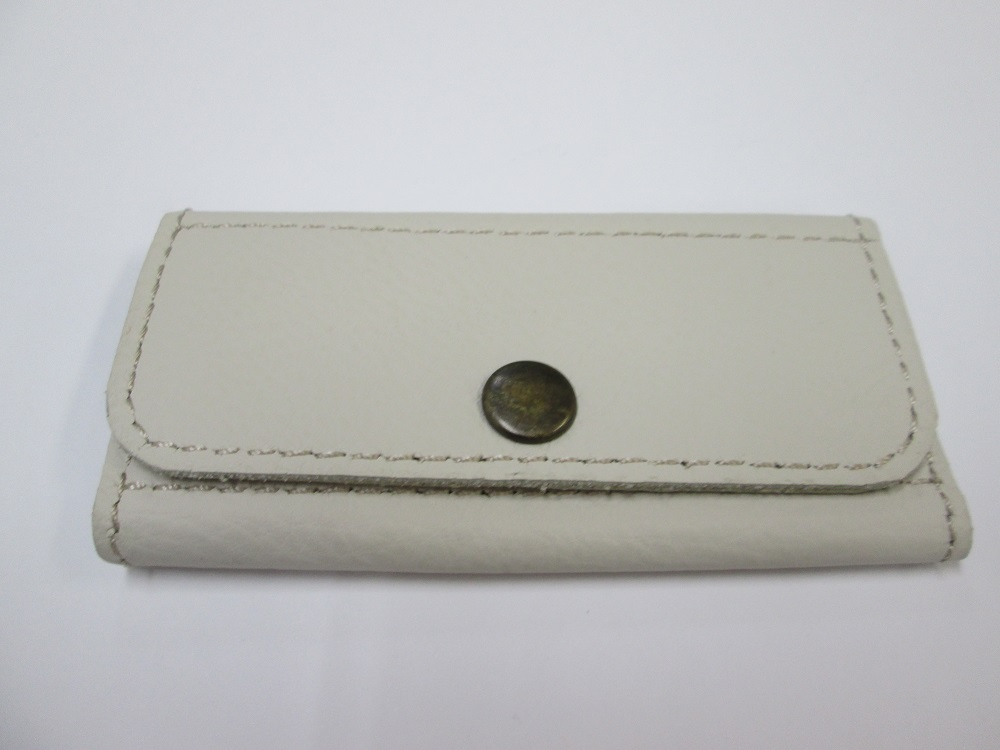 革 レザー 三連 本革100% ハンドメイド シンプル key-011 送料無料 白 豊富な品 キーケース メーカー直送 四角タブ 3連