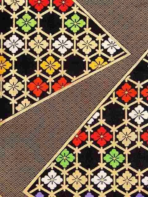 こども袋帯 正絹 七五三 十三参りに 日本製 全通柄の袋帯 「黒金 花角」JFS494