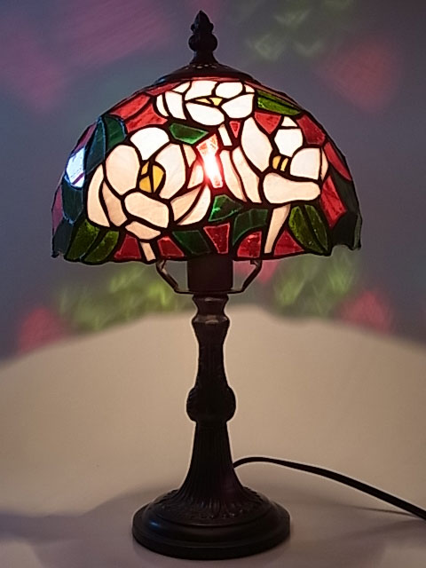 ステンドグラス ランプ ツバキ柄 8インチ・テーブルランプ(8239) 【即納】 【送料無料】 ステンドグラスランプ スタンド 照明 間接照明