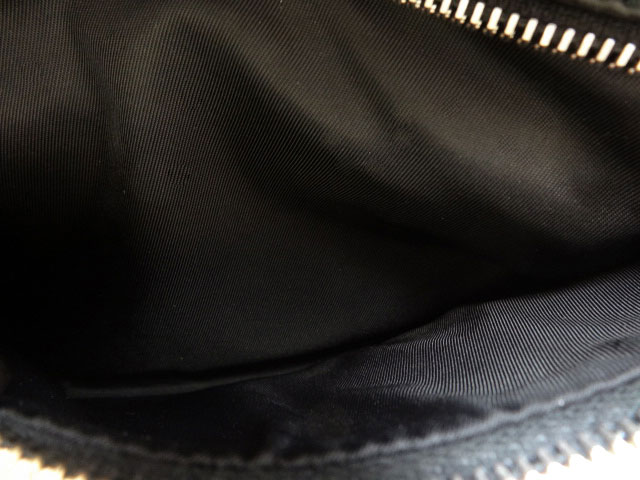 グッチ グッチッシマ ボディ/ウェストバッグ 246409 黒 ラバーコーティングレザー  Bランク