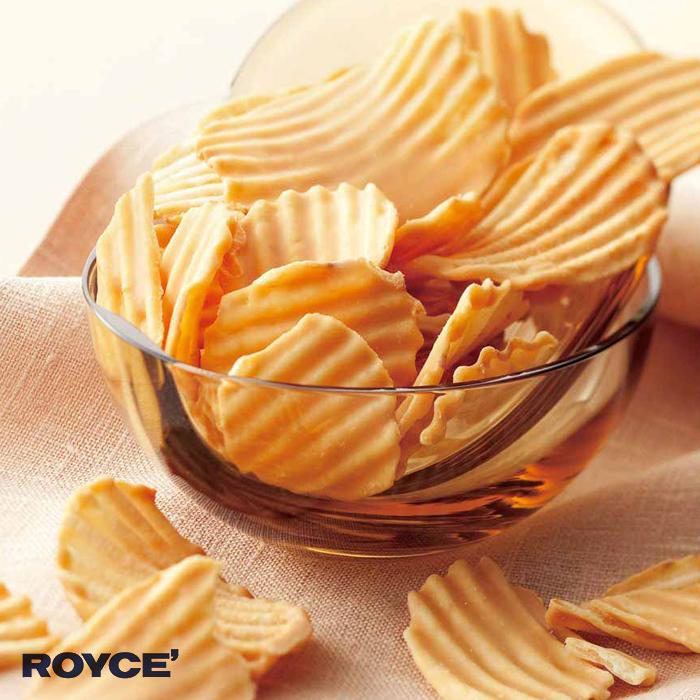上品なキャラメル風味がポテトチップの香ばしさと重なる ロイズ ポテトチップチョコレート 高品質 キャラメル royce 冷 お土産 北海道 おすすめ 新千歳空港 特売 人気
