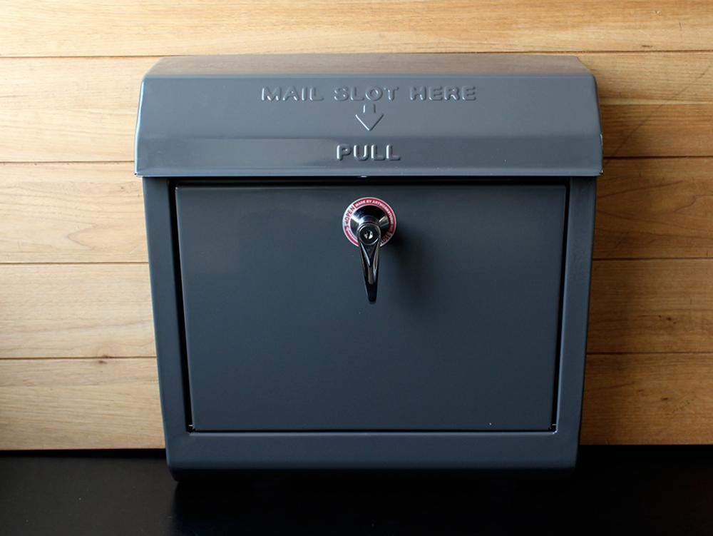 メールボックス アメリカンレトロなスチール製の郵便受け