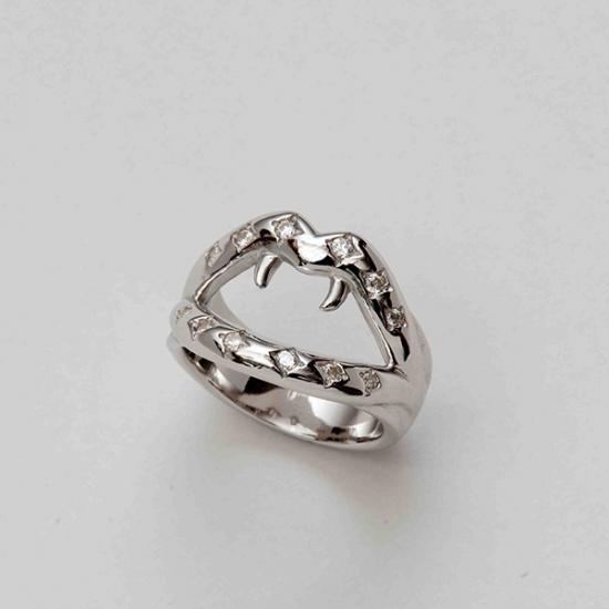 mouchu (マウチュ)  Fang Ring Silver リング