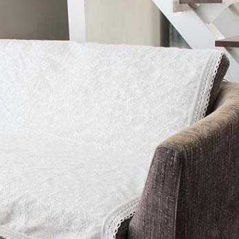シンプル ホワイト 【カリエン】 約3畳サイズ キルトマルチカバー 白 立体的なジャガードのキルト 無地 北欧 ベッドカバー 長方形 ソファーカバー グレー おしゃれ マルチカバー キルト 200×250cm 人気 ホットカーペットカバー ソファ かけるだけ 洗える 無地