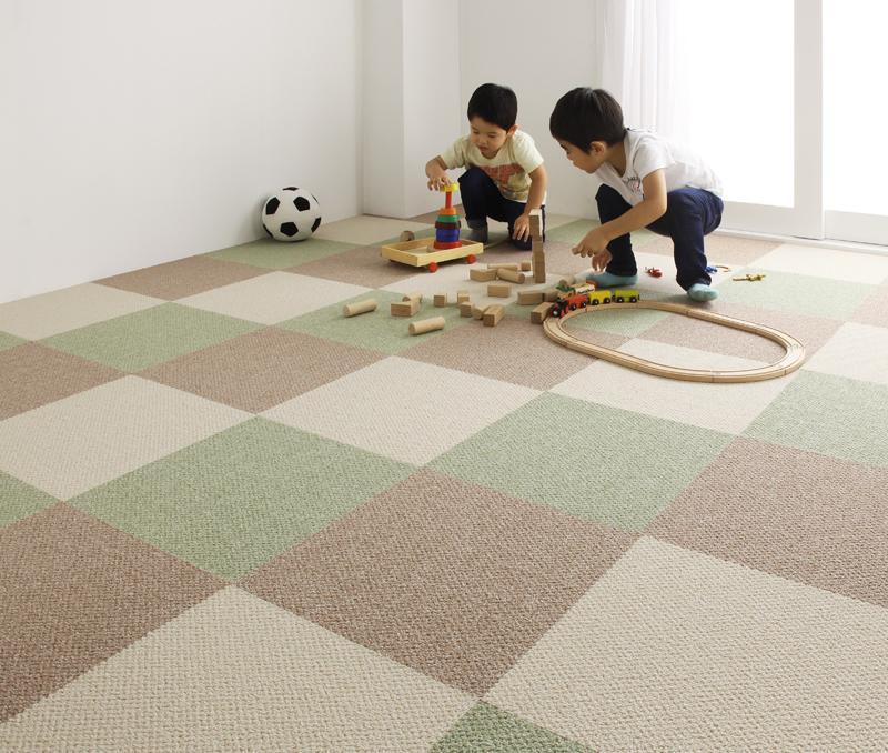 ラグ カーペット じゅうたん ラグマット 安い ダイニングラグ 同色40枚 パネル 4畳半 モスグリーン 緑 洗える 床暖房対応 防音マット 厚手 子供 滑り止め