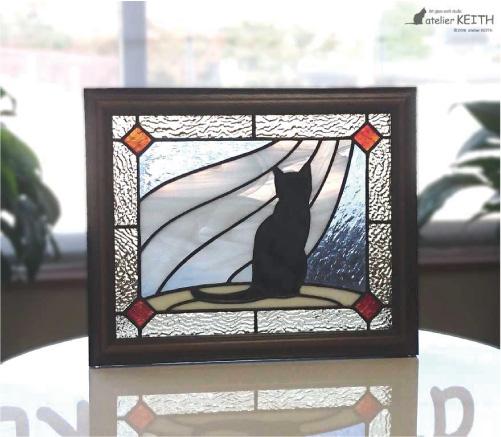 ステンドグラス・パネル【黒猫とカーテン】 オリジナル ネコ ねこ にゃんこ プレゼント ギフト 誕生日 新築祝い 記念日 ハンドメイド 国産
