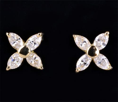 K18 マーキスカットダイヤモンド 0.90ct18金 ピアス《送料無料!》