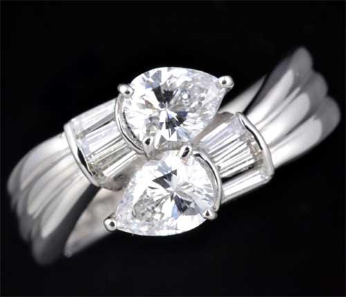 Pt ペアシェイプダイヤモンド 0.400ct E-SI1 0.402ct E-SI2脇石ダイヤ0.228ct プラチナ リング《送料無料!》