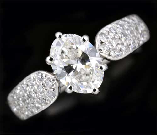 Pt オーバルカットダイヤモンド 1.017ct H-SI2脇石ダイヤ0.20ct プラチナ リング《送料無料!》
