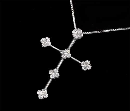K18WG ダイヤモンド 0.30ctホワイトゴールド クロスペンダントネックレス《送料無料!》