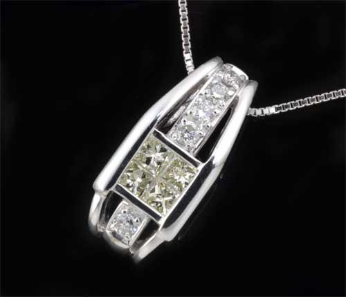 K18WG ダイヤモンド 0.70ctホワイトゴールド ペンダントネックレス《送料無料!》