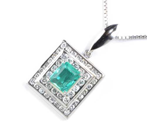 Pt エメラルド 0.75ctダイヤモンド 0.69ct プラチナ ペンダントネックレス《送料無料!》