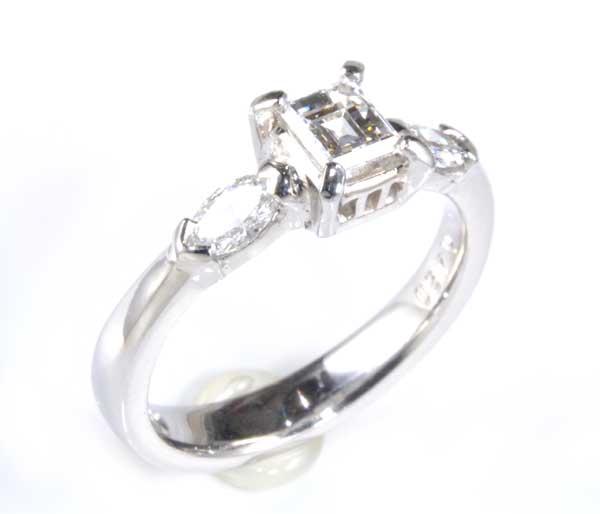 Pt バゲットカットダイヤモンド 0.45ct G-VS1マーキスカットダイヤモンド0.32ct プラチナ リング《送料無料!》