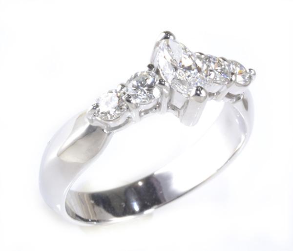 激安通販 Pt マーキスカットダイヤモンド 0.298ct D-VVS2ダイヤモンド 0.352ct プラチナ リング《送料無料!》, 輸入王 b5eb2f69
