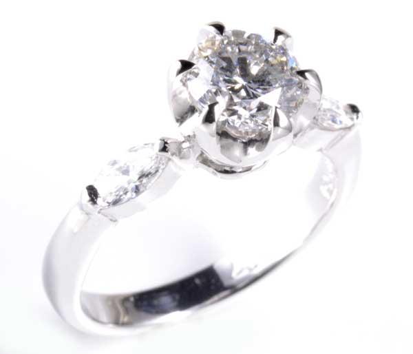 Pt ダイヤモンド 1.059ct G-SI2ダイヤモンド0.327ct プラチナ リング《送料無料!》