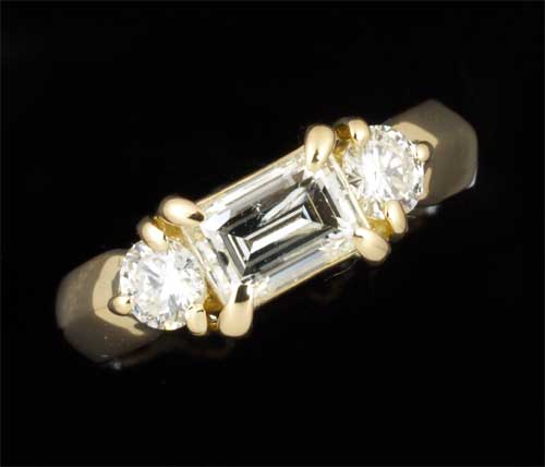 K18 バゲットカットダイヤモンド 0.771ct脇石ダイヤ 0.383ct 18金 リング《送料無料!》
