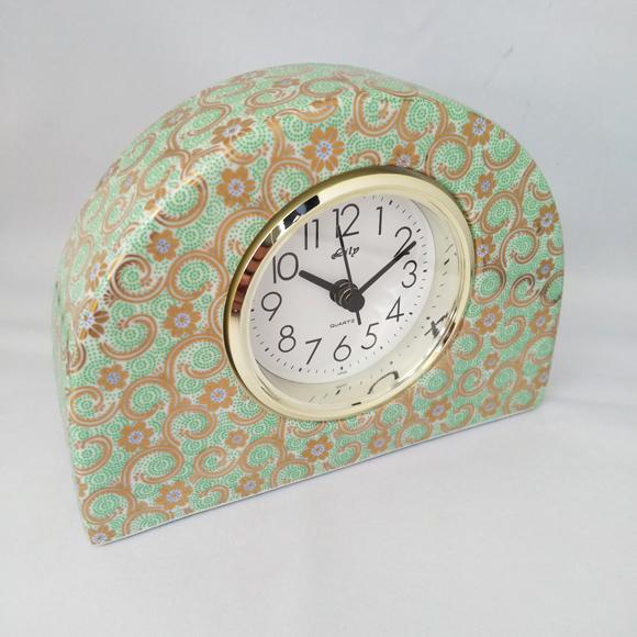 日本製 九谷焼 陶器 ギフト 置時計 九谷焼置き時計 緑彩唐草S 68S-1 (SMT-68S-1)