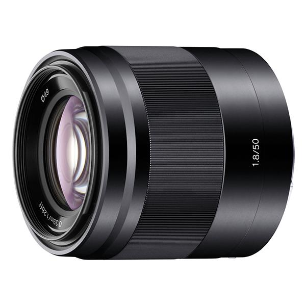 【送料無料】SONY E 50mm F1.8 OSS SEL50F18 B ブラック [ソニーEマウント用レンズ(APS-Cサイズ用)]