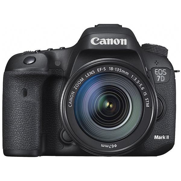 【送料無料】CANON EOS 7D Mark II EF-S18-135 IS STM レンズキット [デジタル一眼レフカメラ(2020万画素)]