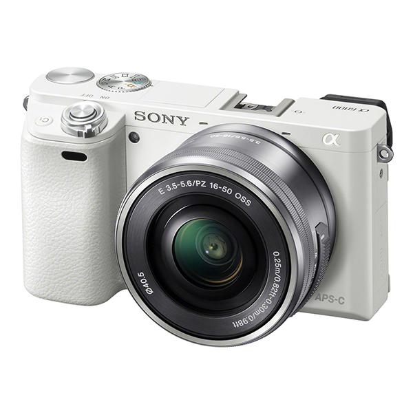 【送料無料】SONY ILCE-6000L パワーズームレンズキット ホワイト [デジタル一眼カメラ (2430万画素)]