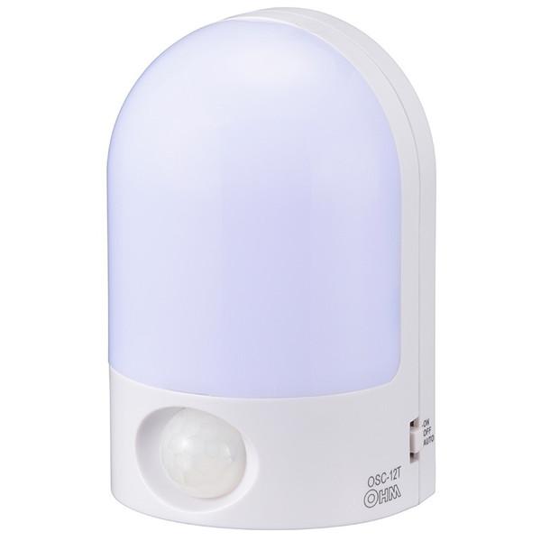 LEDセンサーライトです 返品送料無料 オーム電機 OSC-12T LEDセンサーライト 今季も再入荷