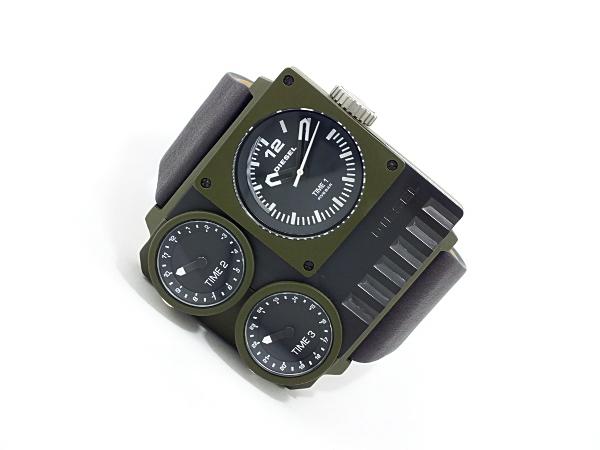 디젤 DIESEL 트리플 타임 스퀘어 블랙 가죽 시계 DZ7248 남성 카 키