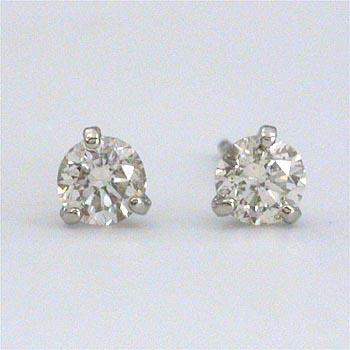 プラチナ ダイヤモンド 0.15カラットx2三本爪ピアスtypeAA(通常芯・シリコンキャッチ付)送料無料 即納品(4日前後発送可能)