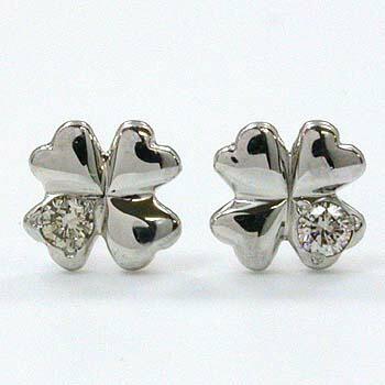 プラチナ(PT900)ダイヤモンド 0.01ctx2クローバーモチーフピアスtypeAAA(通常芯・シリコンキャッチ付)