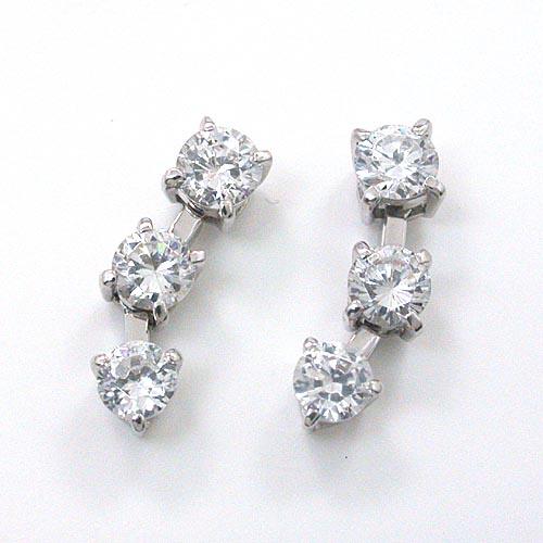 プラチナ900(Pt900) ダイヤモンド(SI1・H) 1カラット(0.5ctx2) スリーストーンピアス(シリコンキャッチ付)【送料無料】