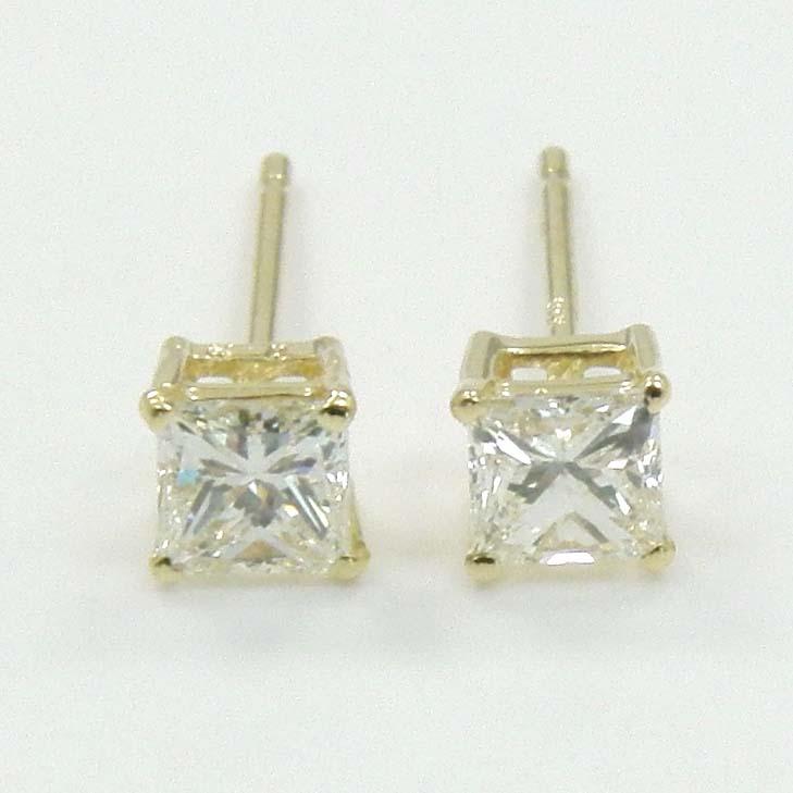 18金ゴールド ダイヤモンド ピアス typeAAA(SIクラス・プリンセスカット)(通常芯・シリコンキャッチ付)送料無料 即納品(4日前後発送可能)