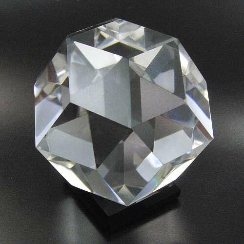 作品 水晶 等分菱形三十面体 55mm