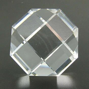 作品 斜方立方八面体 水晶 70g