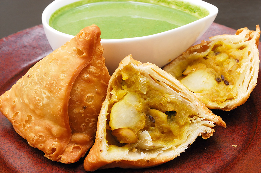 Hkhk samosa 2 pcs, spices fragrance and vegetable flavor!
