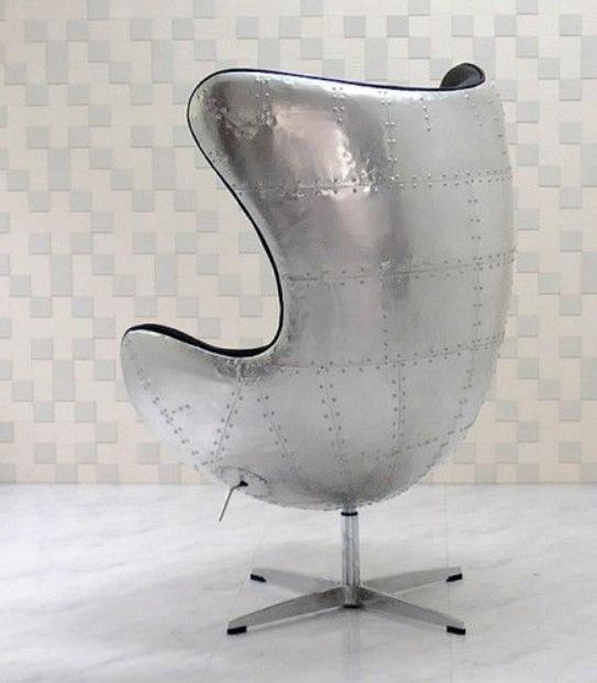アルネ・ヤコブセン エッグチェア アルミ外装 レザー仕様 色:ブラック