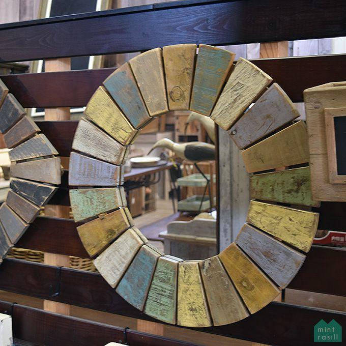 ラウンドミラー 鏡 壁掛け 壁面装飾 円 マルチカラ― シャビー家具 古木製 リサイクルウッド アンティーク家具 アンティーク雑貨 北欧風 レトロ モダン マリン