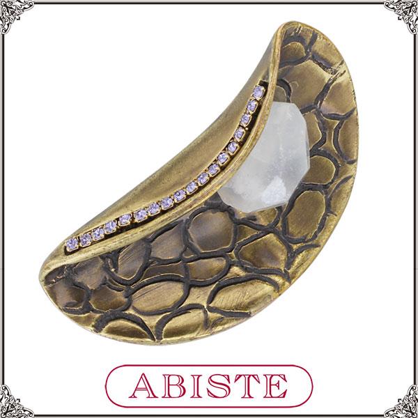 【送料無料】 ABISTE(アビステ)イタリア製型押しアンティーク調ブローチ/ホワイト 5100085 レディース 女性 人気 上品 大人 かわいい おしゃれ アクセサリー ブランド 誕生日 ギフト プレゼント ラッピング無料
