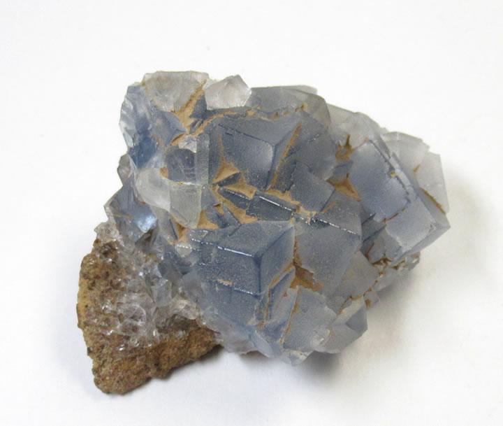 ブルーフローライト クラスター ヒマラヤ産 虹あり ひとつひとつの結晶のブルーの繊細な色の変化が美しい! flub080