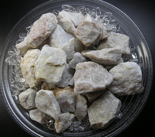 アゼツライト 流行のアイテム 原石 バスストーン 店 リチウムライト原石 lithlb001 100g'光との繋がりによる心の安らぎと喜びの石'