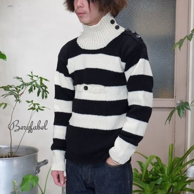 Bergfabel(バーグファベル)/ Turtle Neck P/O Hand Made Knit -BLACK/WHITE-
