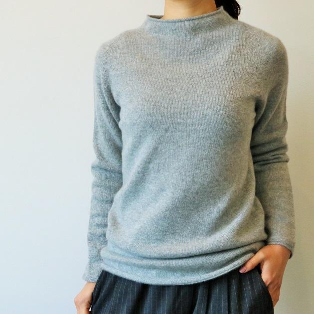 TOYOBOSHI 糸衣(イトイ)/UTSUGI ボトルネックニット