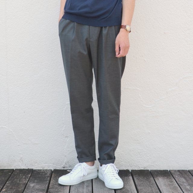G.T.A(ジー・ティー・アー)/ 2PLT CROPPED / WOOL TRO NATURAL STRETCH -(930)CHARCOAL-