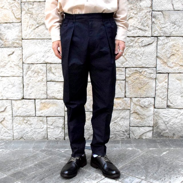 MARKAWARE(マーカウェア)/CLASSIC FIT TROUSERS -NAVY-