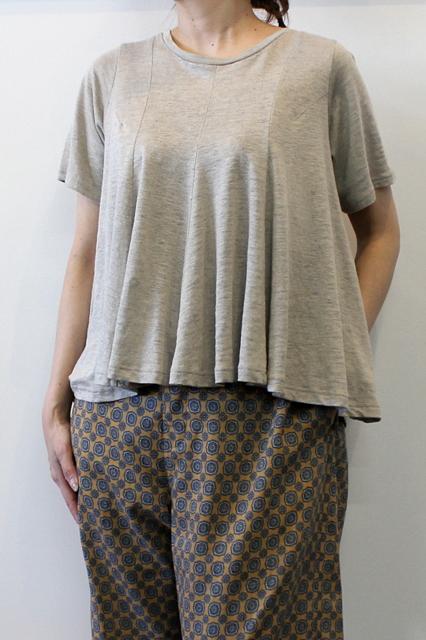 suzuki takayuki(スズキタカユキ)/flared t-shirt