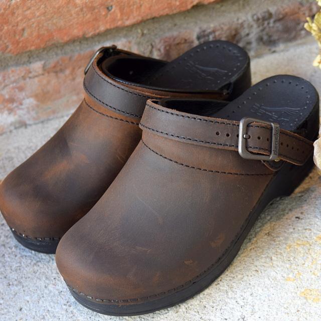 Dansko(ダンスコ)/Ingrid Oiled Leather クロッグ(BROWN)