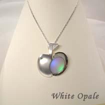 ペンダントブローチ Newton's apple シンフォニーガラス ブルーオパール/パープルオパール/ホワイトオパール
