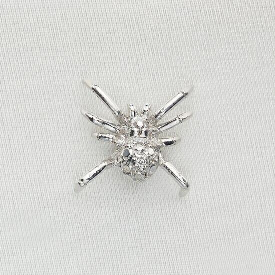 K18WG ダイヤモンド 蜘蛛モチーフ ラペルピン/送料無料