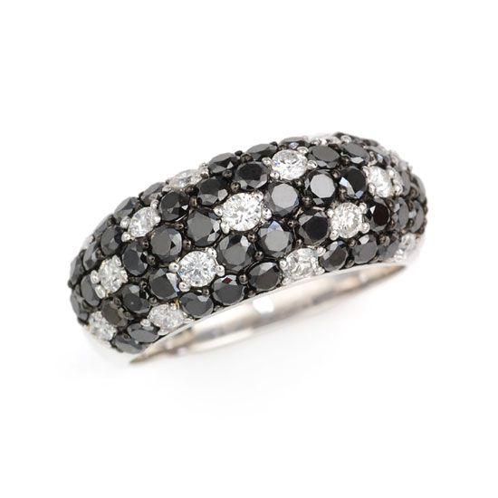K18WGダイヤモンド・ブラックダイヤモンド計2.0ctパヴェリング/送料無料