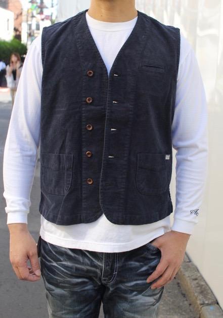 CONTRIVANCE(コントライバンス)STRETCH CORDUROY VEST IN PAISLEY(ストレッチコーデュロイ ベスト ペイズリー柄)TシャツやロングTEEに良く合うベスト日本製 ハンドメイド ベスト ユニセックス2色展開OLIVE,BLACK2019~2020年新作 送料無料