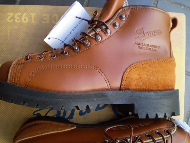 e1c786db02a The Italian vibram sole that DANNER (Danner) WOODSMAN CEDAR RAINBOW  (ウッズマンセダーレインボー) is rough will put it together to ...