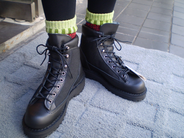 1dc025bdc64 The all-around model that boots equipped with Gore-Tex for the first time  in the DANNER (Danner) WOMEN'S DANNER LIGHT BLACK (women Danner light  black) ...